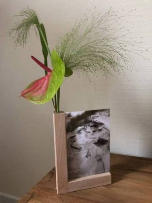 Houten fotohouder met glazen bloemenvaasje anmata-store