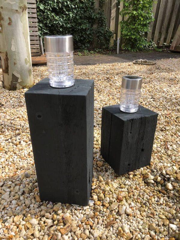 buitenlamp op blok hout met solarlamp1 anmata-store